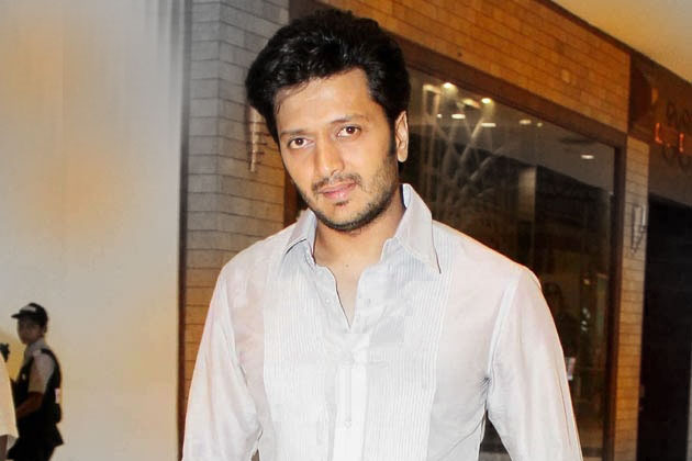 Riteish Deshmukh as Bank Chor  1