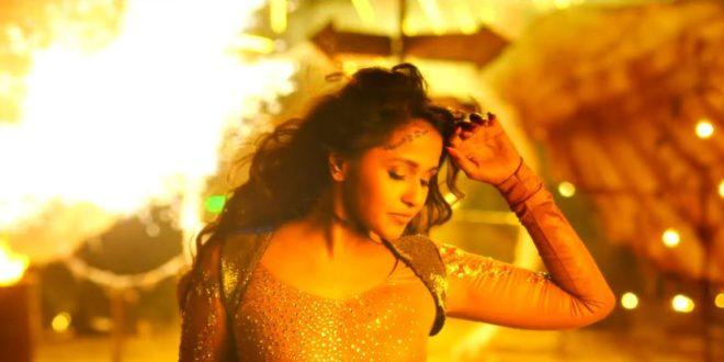 singer-smitha-hot-photos-kiliki-song-1